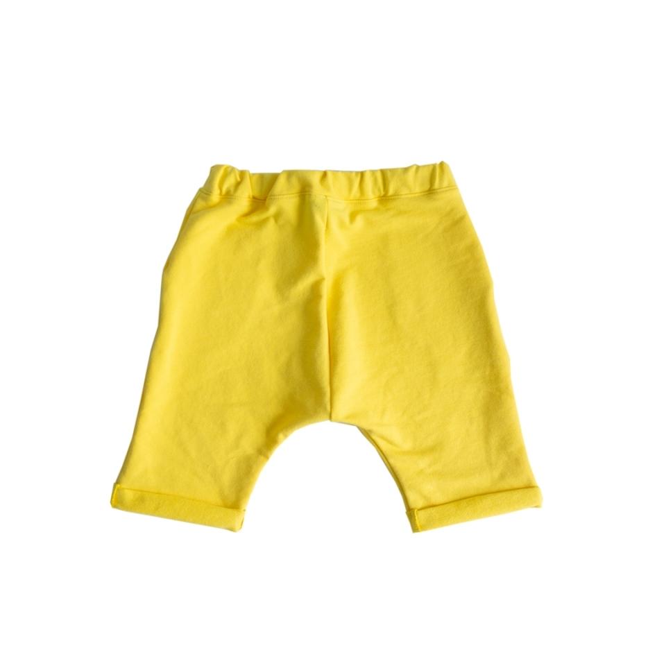 Short met zakken geel achterkant