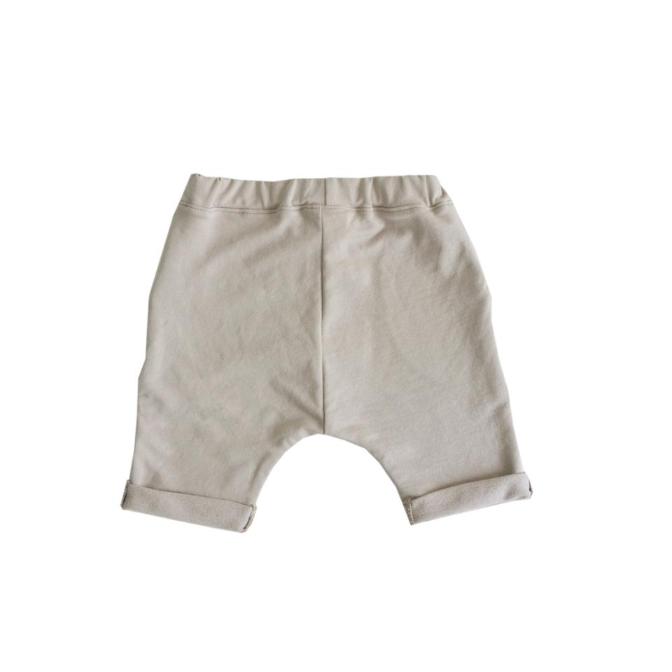 Short met knoopjes beige achterkant