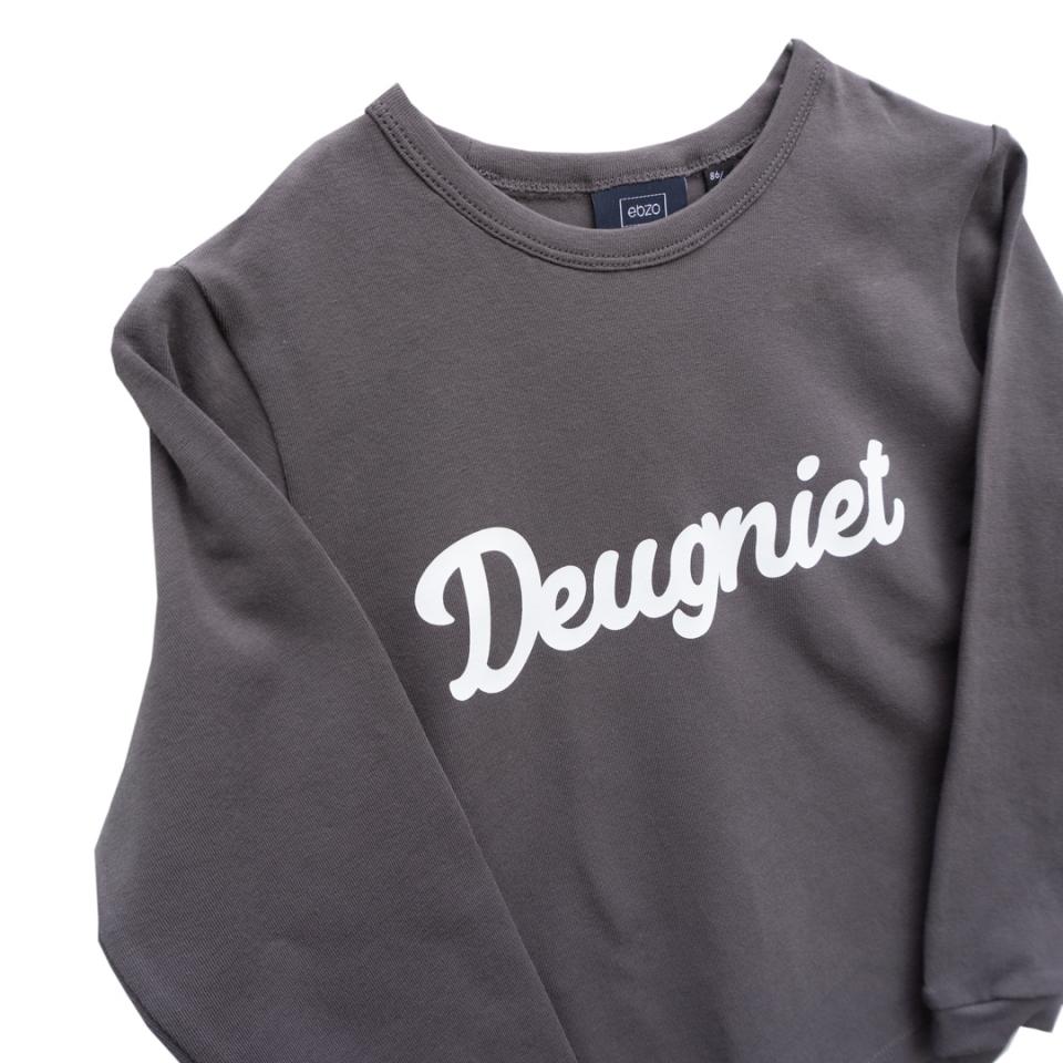 T-shirt deugniet roze close