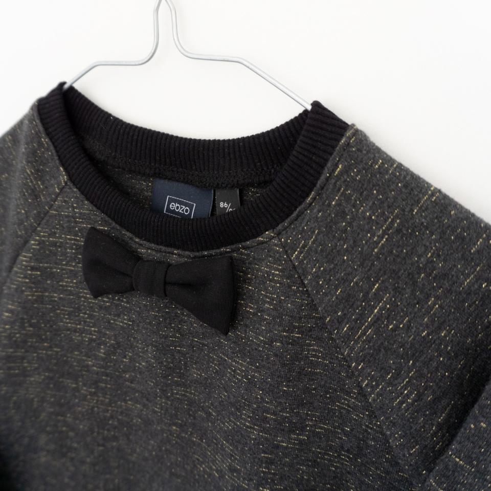 Feest sweater met strikje close