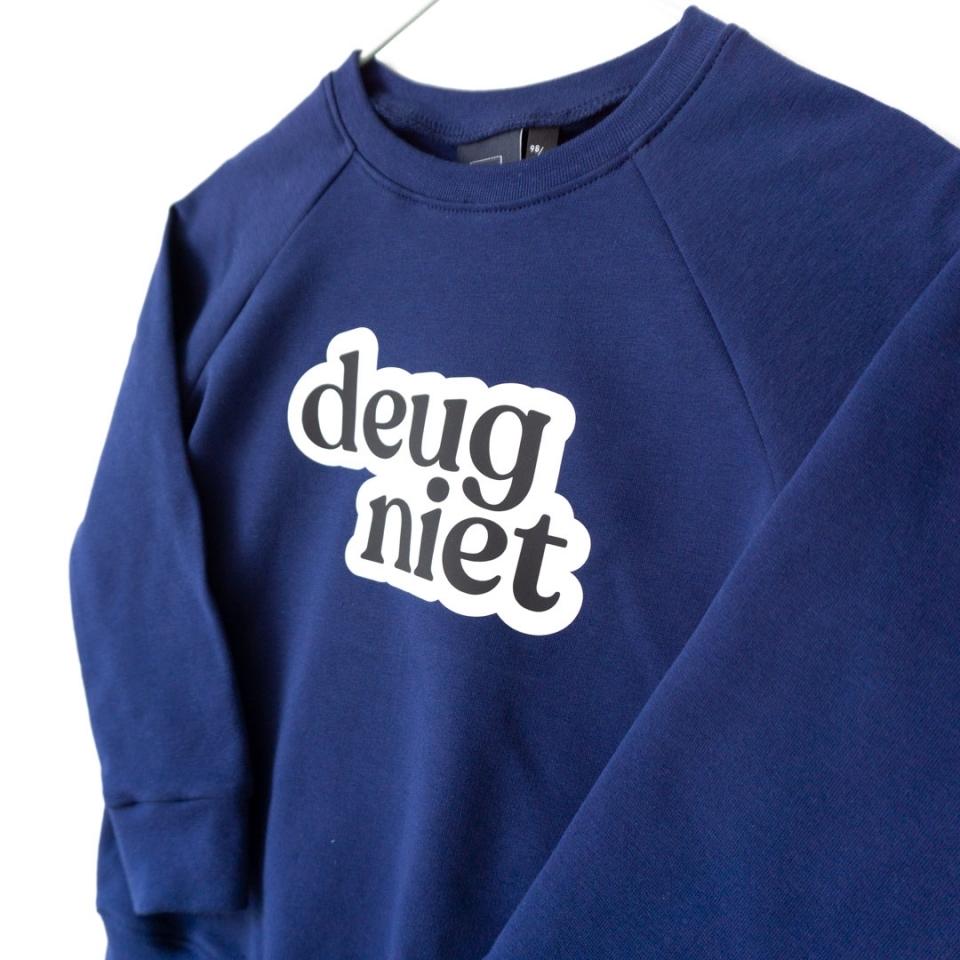 Sweater Deugniet close