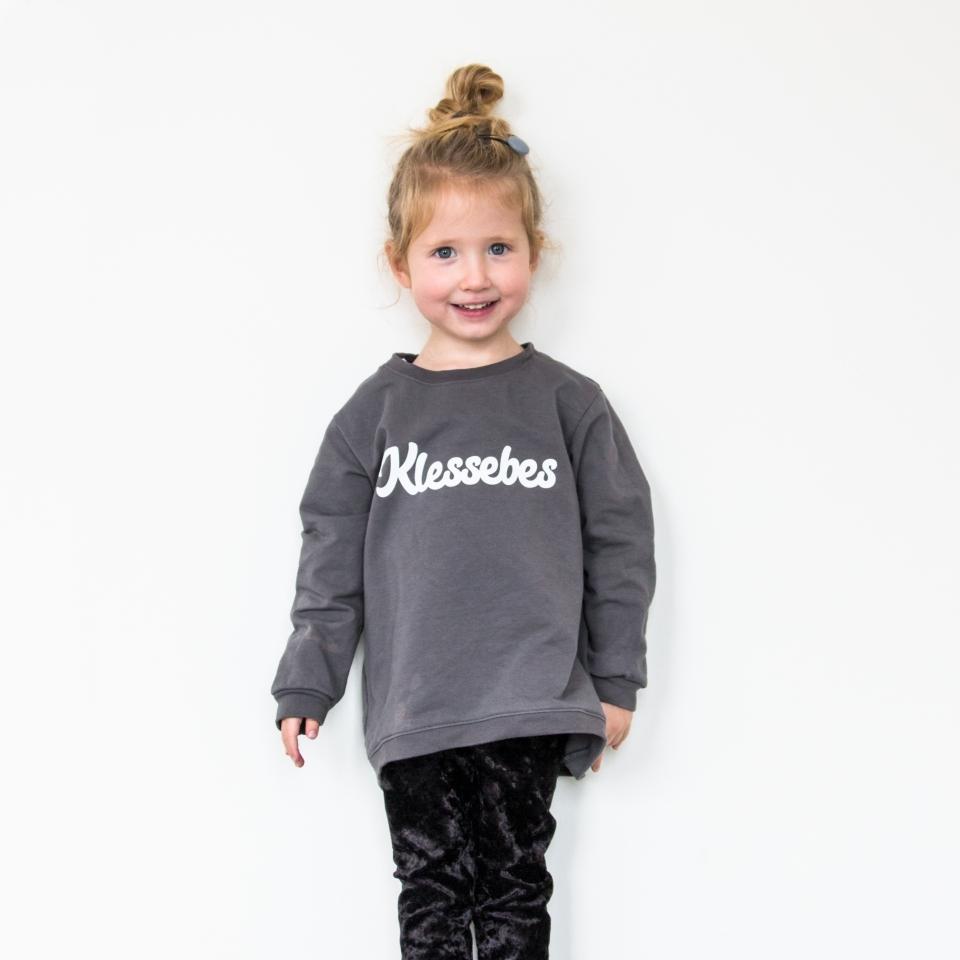 Meiden sweater Klessebes 110/116 sfeer