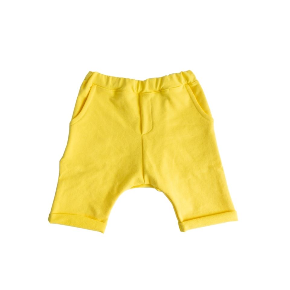 Short met zakken geel voorkant